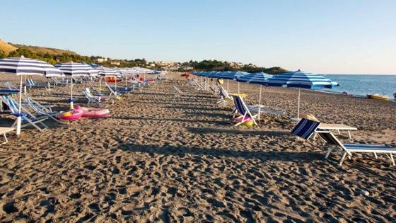 holidaybeach_spiaggia_64.jpg