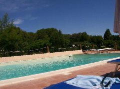 mezzaluna_piscina_02.jpg